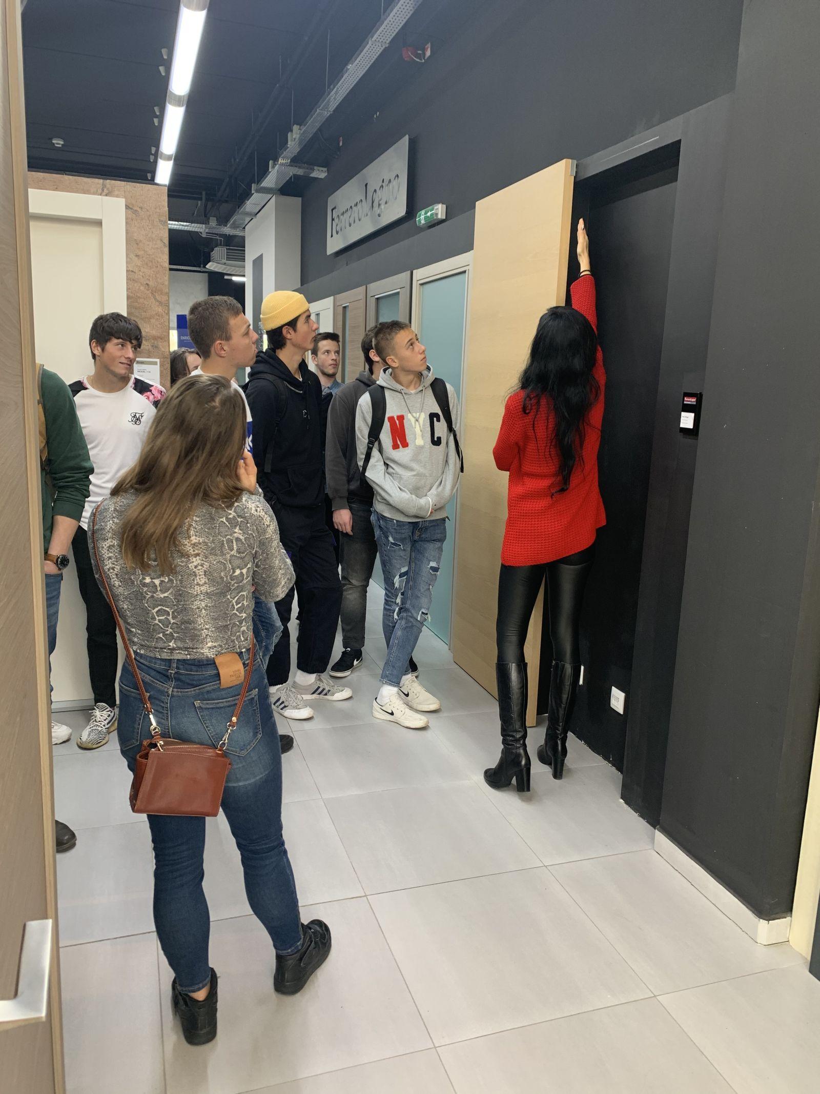 Exkurze studentů SPŠ stavební na Kaštanové slide 3