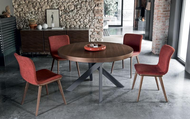 Čistý italský rukopis tradičního výrobce židlí a stolů slide 4