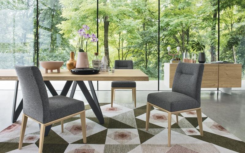 Čistý italský rukopis tradičního výrobce židlí a stolů slide 6