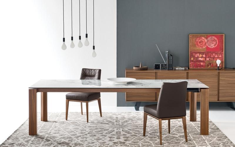 Čistý italský rukopis tradičního výrobce židlí a stolů slide 8