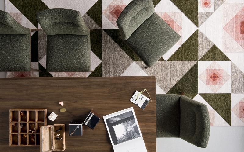 Čistý italský rukopis tradičního výrobce židlí a stolů slide 9