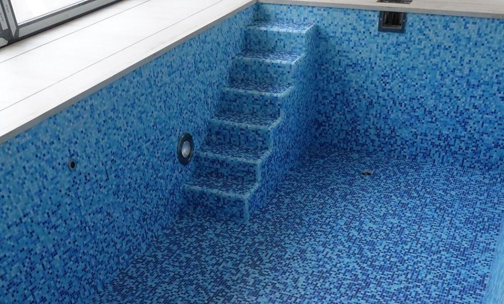 Letní vedra? Zchlaďte se v bazénu nebo ve vířivce slide 3