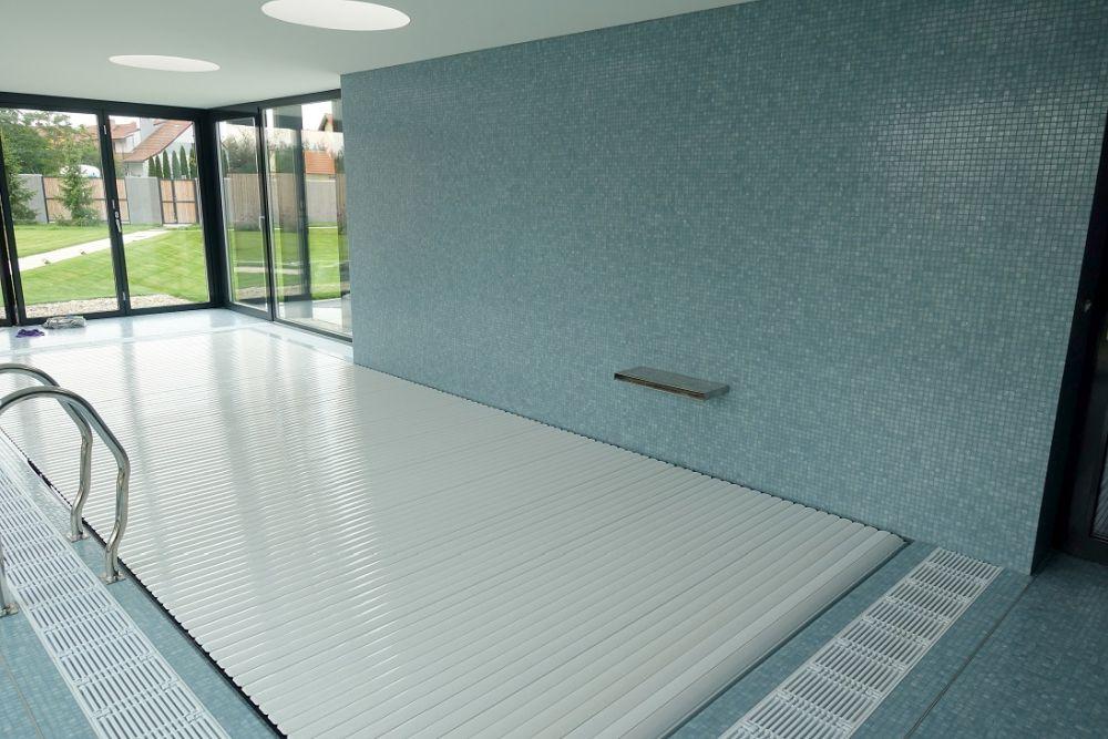 Letní vedra? Zchlaďte se v bazénu nebo ve vířivce slide 5