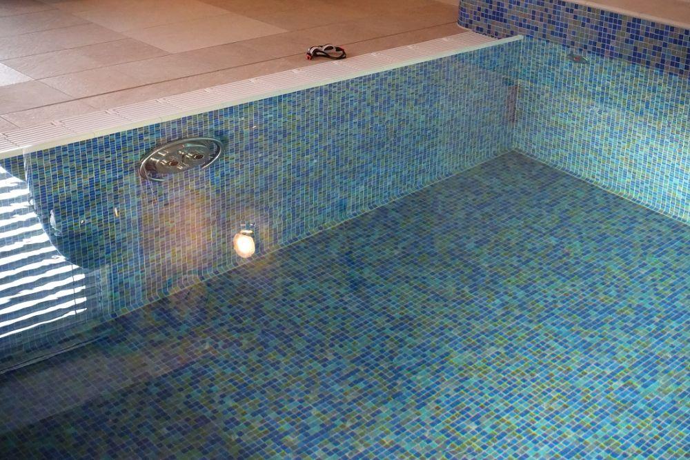 Letní vedra? Zchlaďte se v bazénu nebo ve vířivce slide 9