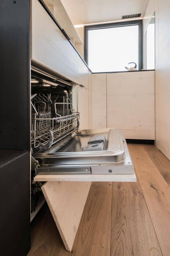 Váš nový moderní dům na kolech. Doslova! slide 11