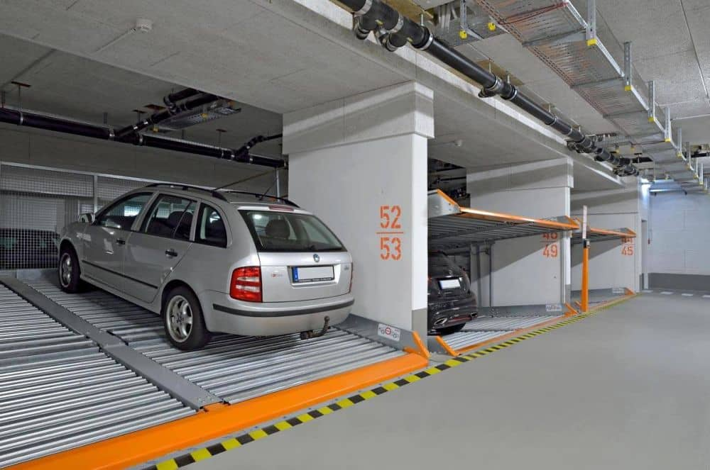 Kam s těmi všemi auty?! Klaus Multiparking má pro vás návrh. slide 3