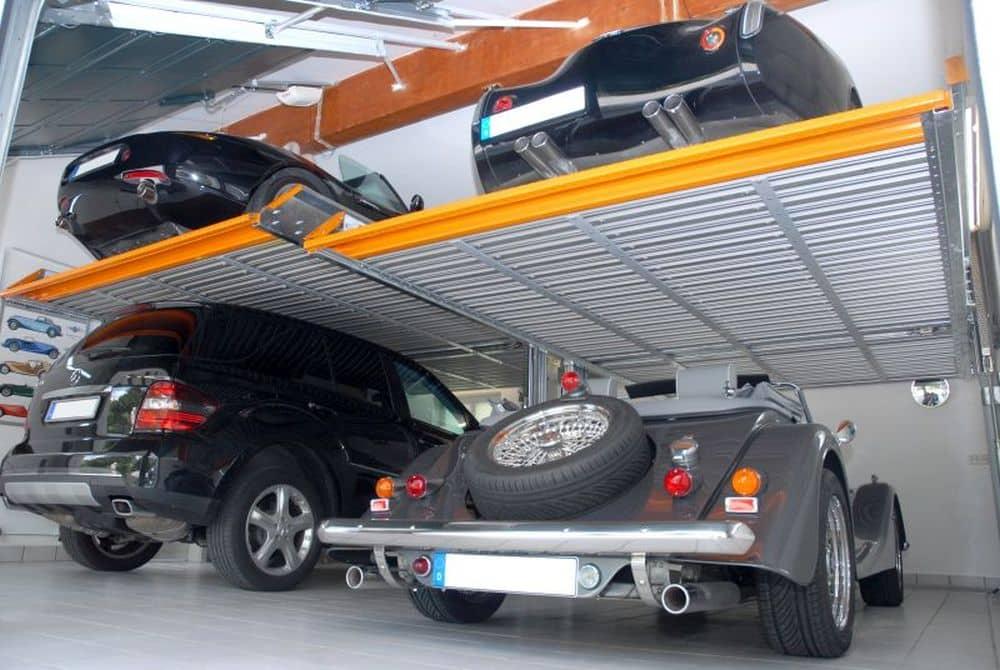 Kam s těmi všemi auty?! Klaus Multiparking má pro vás návrh. slide 0