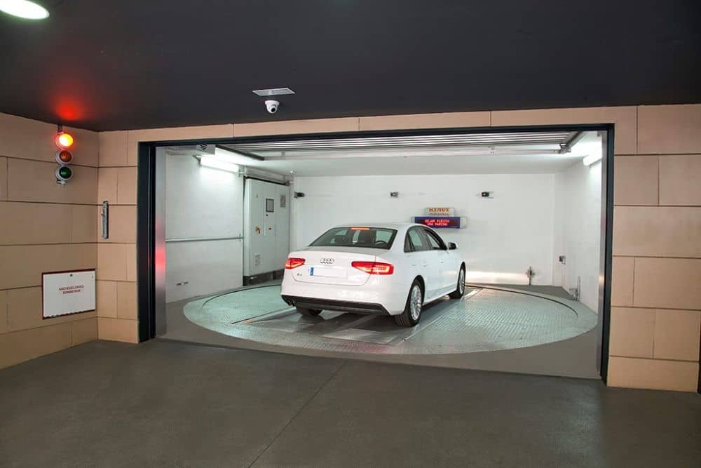 Kam s těmi všemi auty?! Klaus Multiparking má pro vás návrh. slide 6
