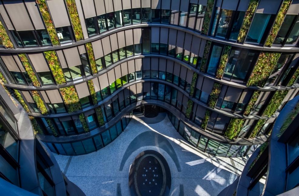 Největší vertikální zahrada ve střední Evropě slide 8