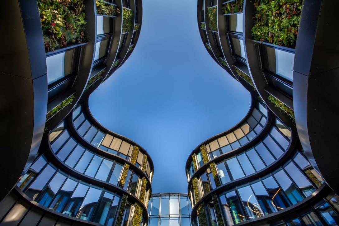 Největší vertikální zahrada ve střední Evropě slide 10