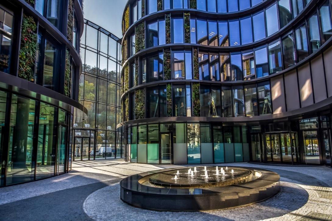 Největší vertikální zahrada ve střední Evropě slide 13