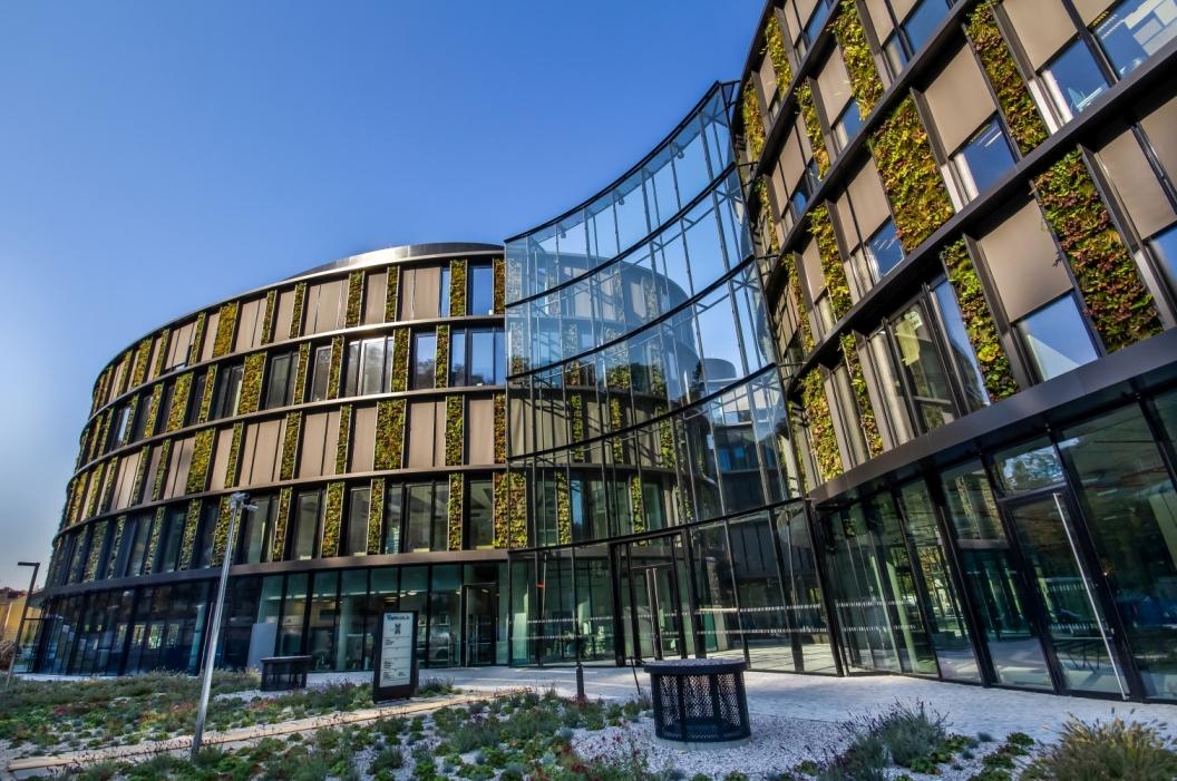 Největší vertikální zahrada ve střední Evropě slide 14