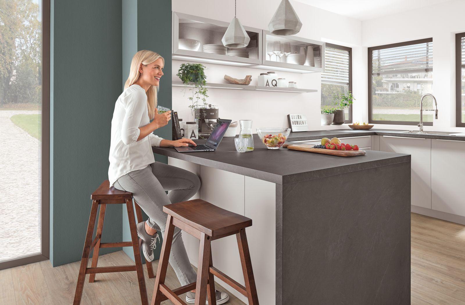 Kaštanová posiluje v kuchyních slide 8