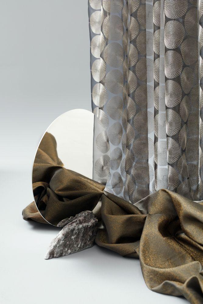 Kouzelné tkaniny. Nadčasové textilie. Ekologicky šetrné koberce. V showroomu Optimal Interier Design.  slide 0