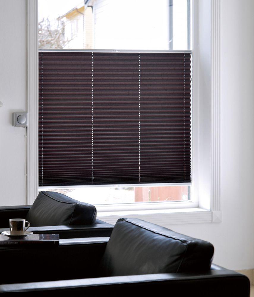 Oblečte svá okna! Pomocí záclon, závěsů či žaluzií slide 15