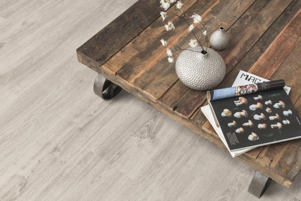 Dřevo nebo vinyl? Pojďte na to od podlahy! slide 5