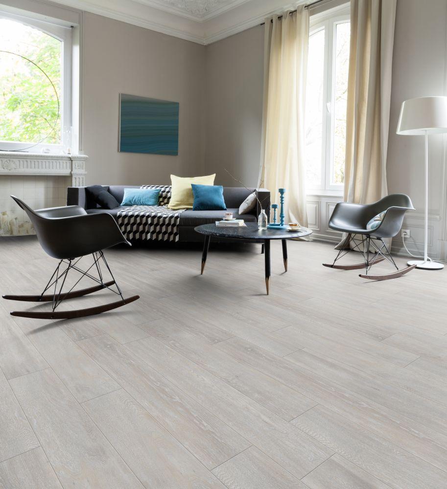 Dřevo nebo vinyl? Pojďte na to od podlahy! slide 7