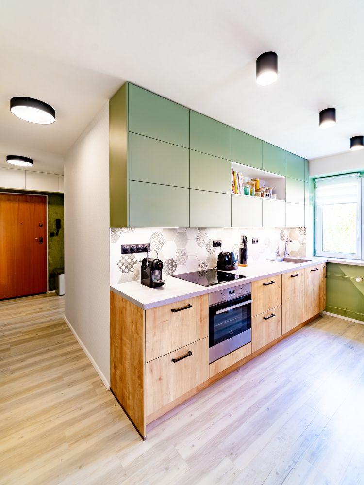 Rekonstrukce malého bytu do svěžích barev slide 0