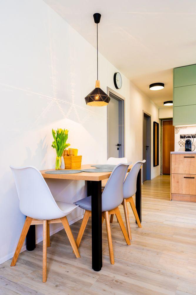 Rekonstrukce malého bytu do svěžích barev slide 4