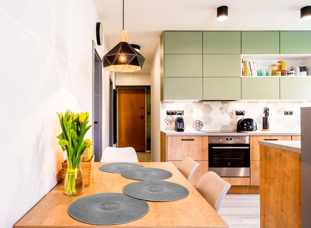 Rekonstrukce malého bytu do svěžích barev slide 1