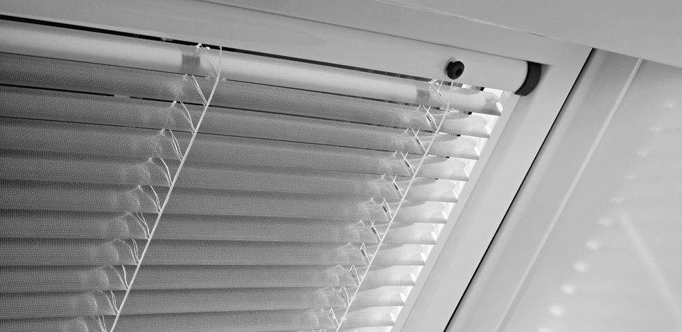 Jak si poradit se stíněním střešních oken? slide 10