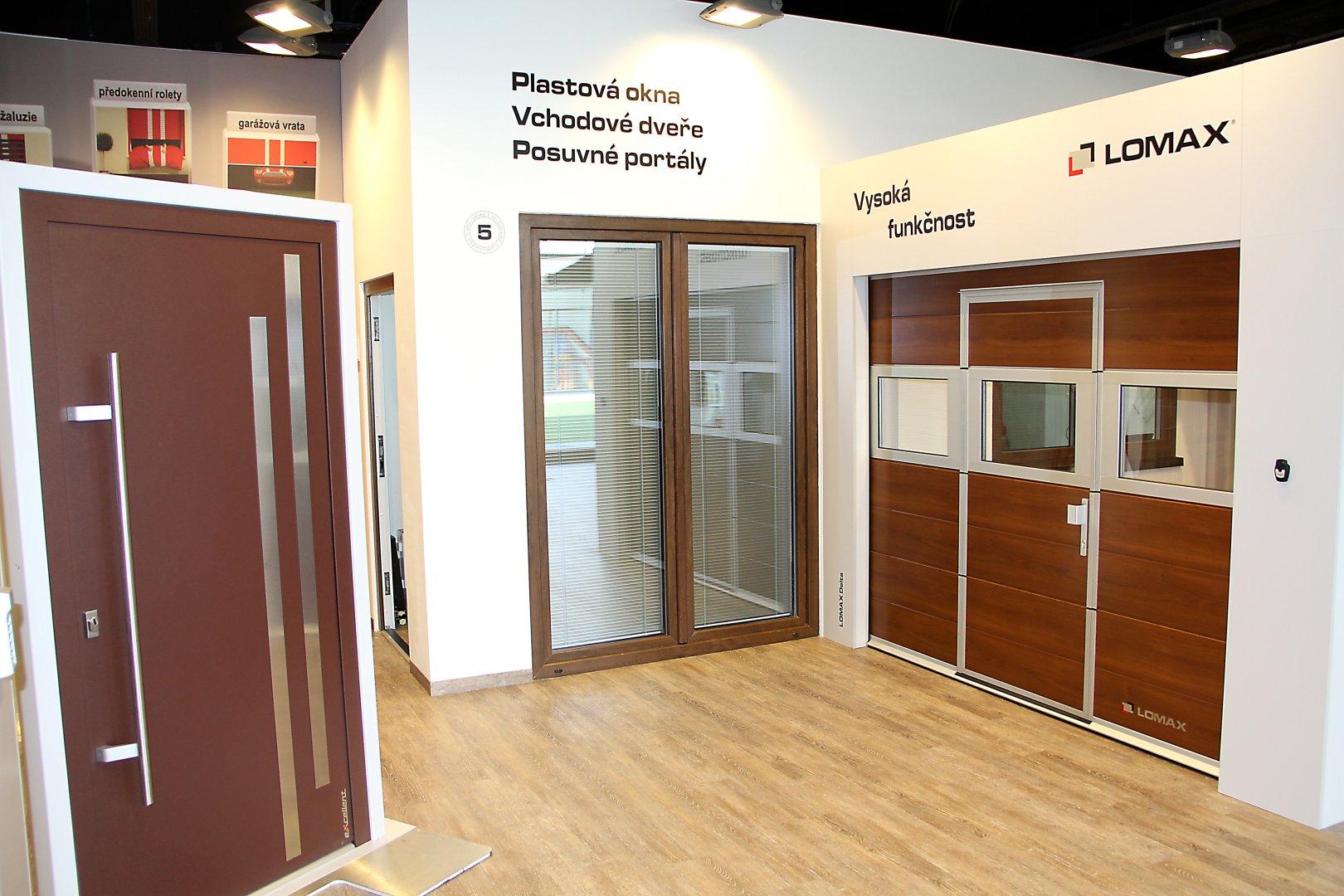 Vchodové hliníkové dveře LOMAX Aktiv 77 slide 0