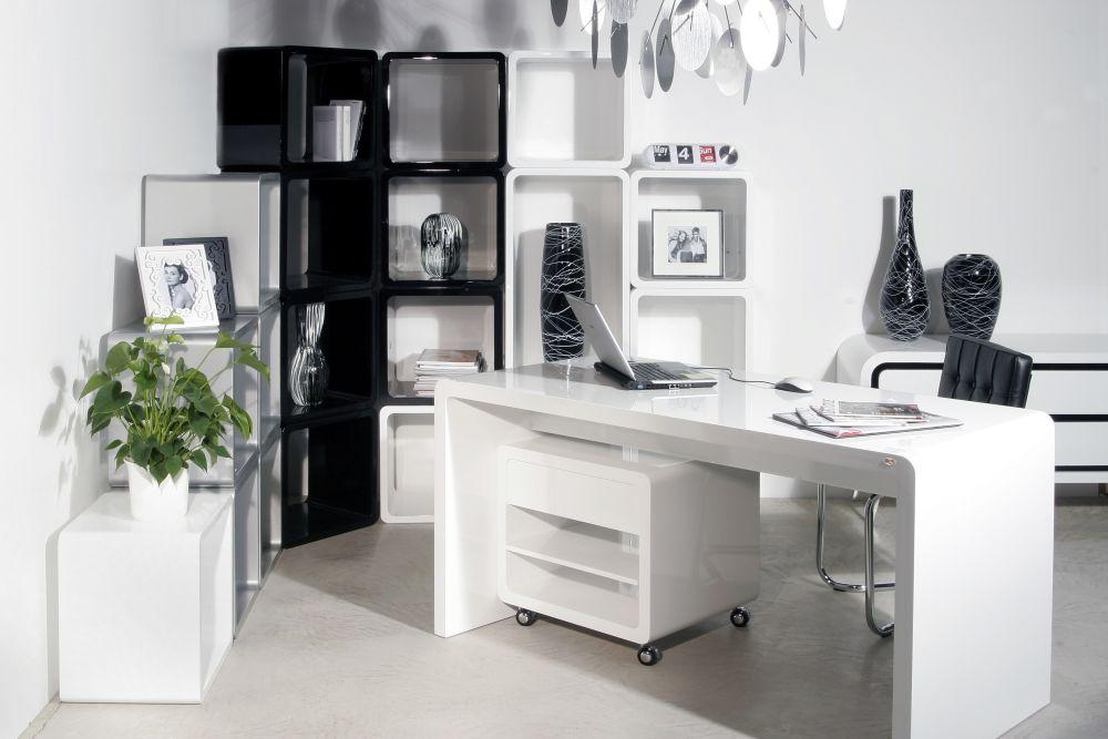 Pracovna - psací stůl