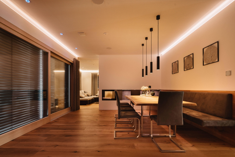 chytrá domácnost Smarteon interiér obývací pokoj jídelna