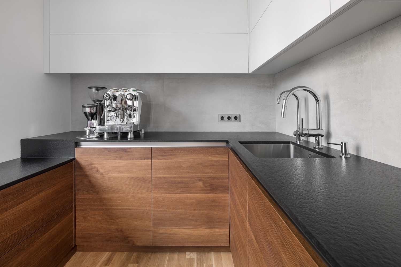 Kuchyňská deska Granit Nero Anticato