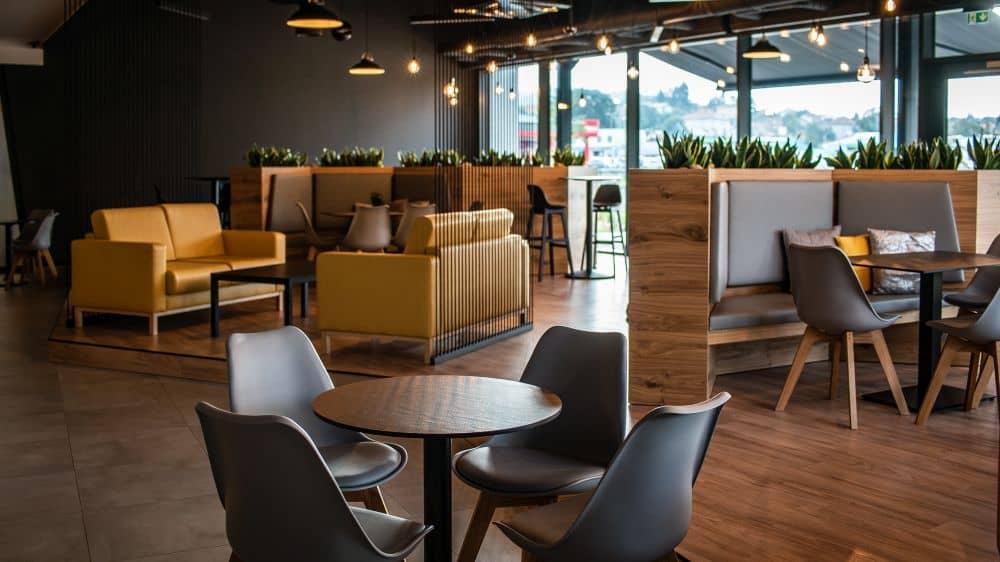 kavárna ve wellness areálu
